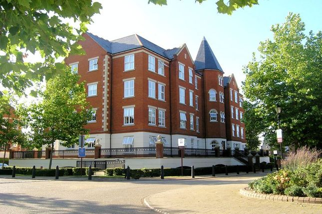 Thumbnail Flat to rent in Bradfield House, Repton Park, Woodford Green