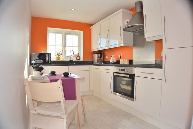 Thumbnail Flat for sale in Carrfield, Hyde