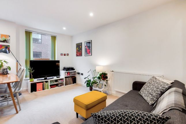 Picture No. 09 of Mylne Apartments, 93 Barretts Grove, London N16