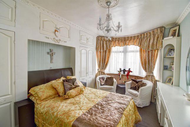 Bedroom 1 of Oaklands Avenue, Thornton Heath CR7