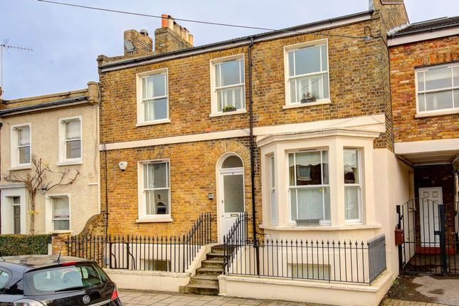 2 bed flat for sale in Tonsley Hill, Wandsworth
