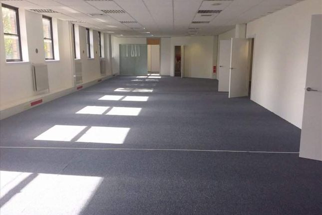 Serviced office to let in Maryhill Burgh Halls, Glasgow