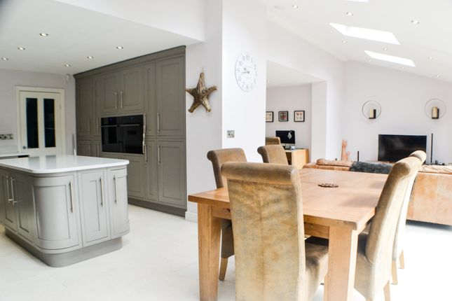 Living Kitchen of Southlands Road, Goostrey CW4