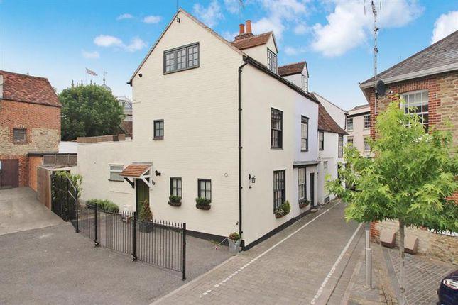 Thumbnail Town house for sale in Turnagain Lane, Abingdon