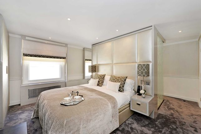 Thumbnail Detached house to rent in Carlisle Street, London