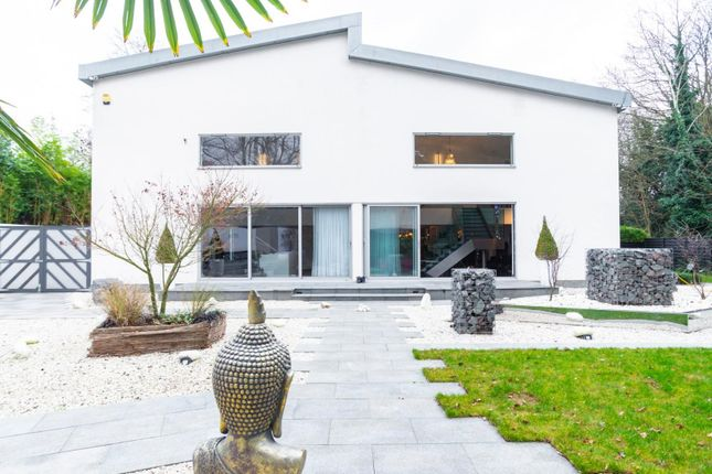 Thumbnail Detached house for sale in Lakeside Crescent, Brentwood