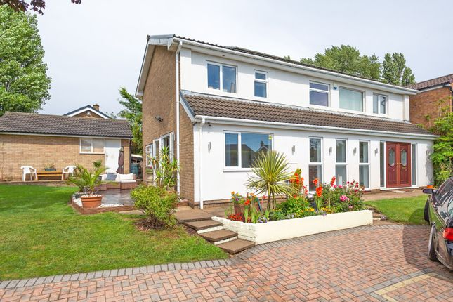 Thumbnail Detached house for sale in Dunniwood Avenue, Bessacarr, Doncaster