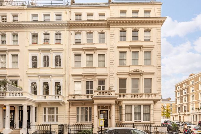 2 bed flat for sale in Cornwall Gardens, South Kensington, London SW7