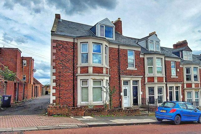 3 bed flat to rent in Whitehall Road, Bensham, Gateshead NE8