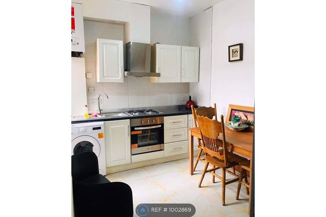 Room to rent in Carfax Street, Manchester M18