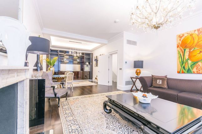 Thumbnail Flat for sale in Park Street, Mayfair