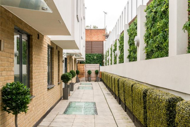 Thumbnail Terraced house for sale in Whittlebury Mews West, London