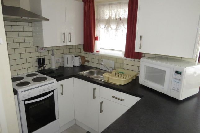 Thumbnail Bungalow to rent in Point Cottages, Yarmouth Road, Corton, Lowestoft