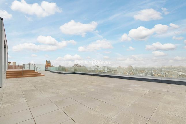 Thumbnail Flat to rent in Sovereign Court, Hammersmith