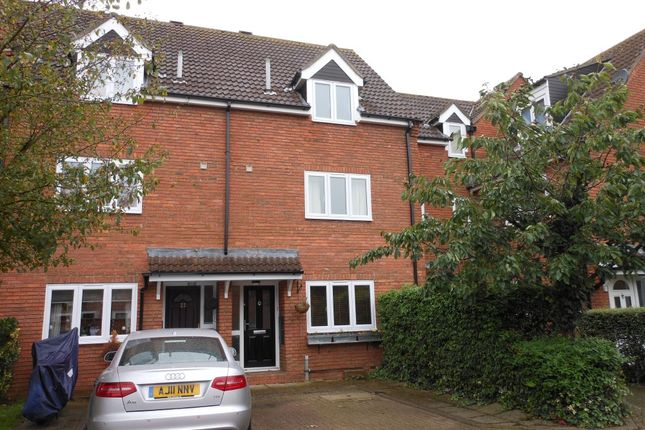 Thumbnail Town house to rent in Ferrars Court, Huntingdon