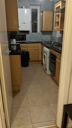 3 bed flat to rent in Weston Street, London SE1