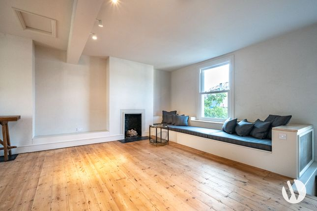 Maisonette to rent in Fulham Road, London