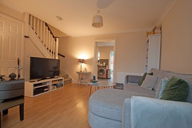Thumbnail Terraced house to rent in Colebrook Close, Mill Hill