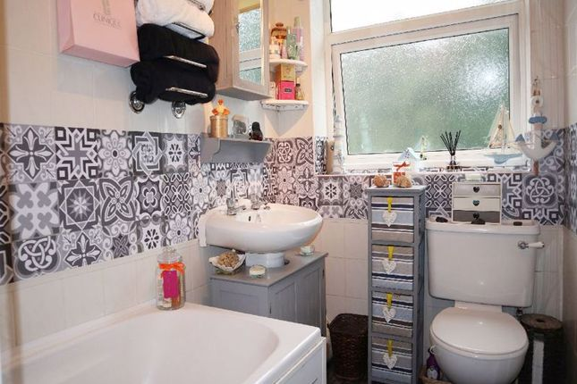 Bathroom of Cromwell Street, Birches Head, Stoke-On-Trent, Staffordshire ST1