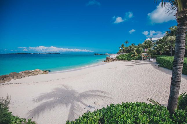 Apartment for sale in Cable Beach, Nassau/New Providence, The Bahamas