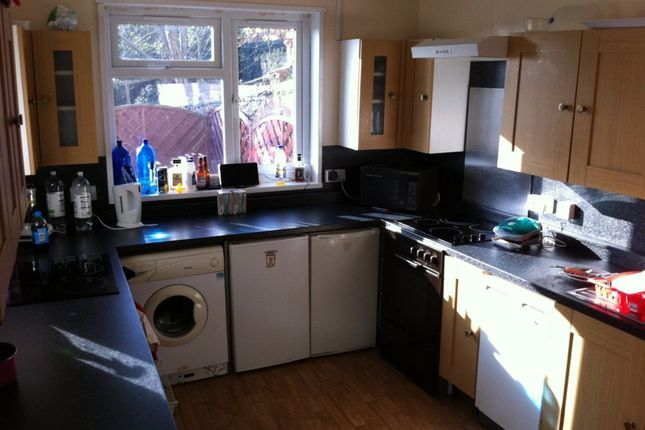 Thumbnail Shared accommodation to rent in Bryn Y Mor Crescent, Swansea