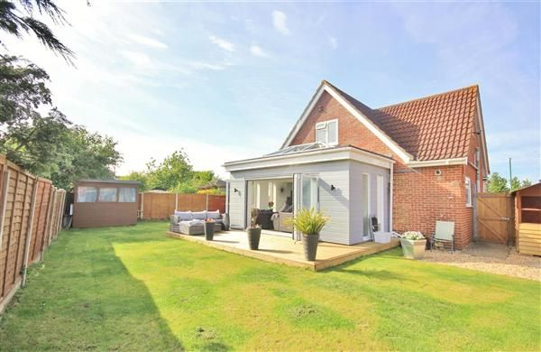 Thumbnail Bungalow for sale in Sunbury Close, Bournemouth