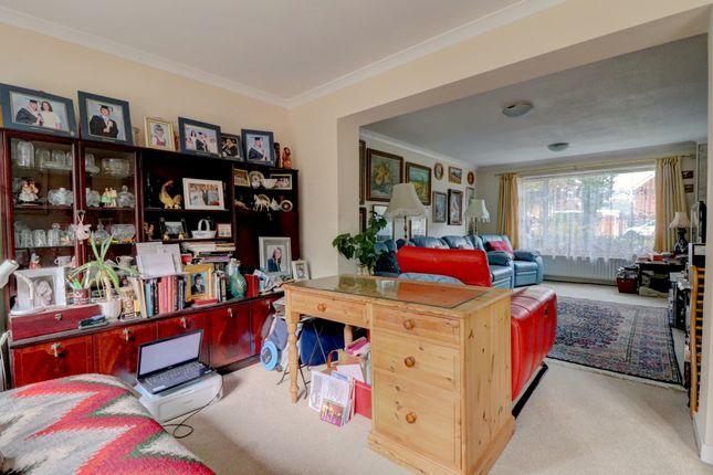 Family Room of Merrow Woods, Guildford GU1
