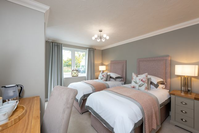 1 bed flat for sale in Greyhound Lane, Thame, Oxforshire OX9