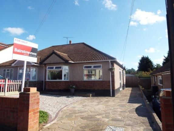 Thumbnail Bungalow for sale in Upway, Rayleigh