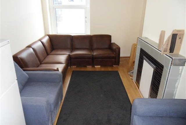 Thumbnail Flat to rent in Woodville Rd, Cathays, Cardiff