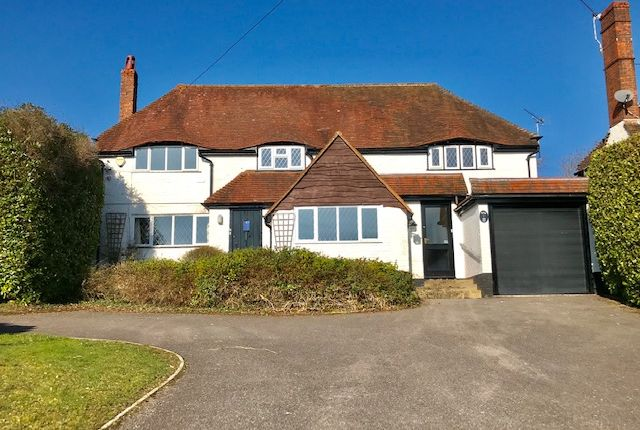 Thumbnail Detached house to rent in Pine View Close, Haslemere