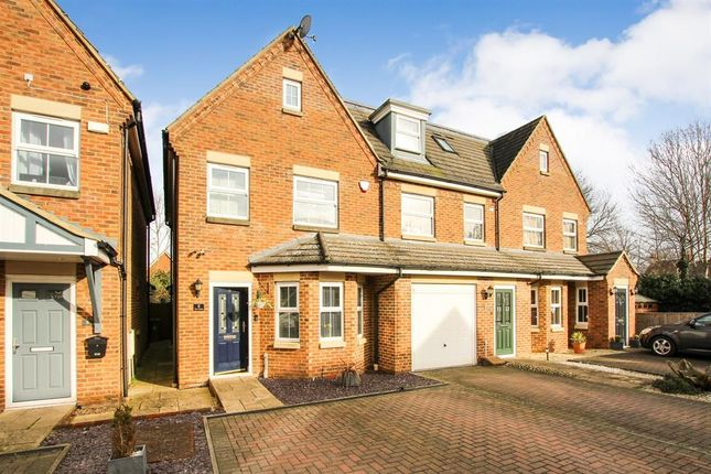 End terrace house for sale in Stratford Close, Aston Clinton, Aylesbury