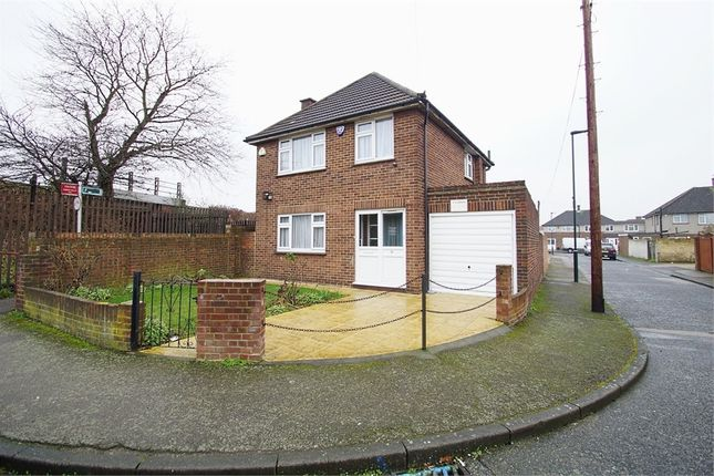 Thumbnail Detached house to rent in Clifton Road, Welling, Kent
