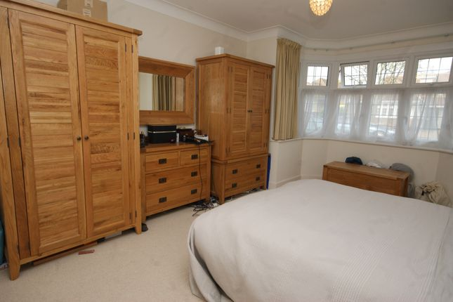 Thumbnail Detached bungalow to rent in Farm Avenue, Harrow, Middlesex