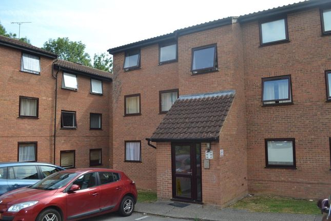 Thumbnail Flat to rent in Woodhall Farm, Hemel Hempstead