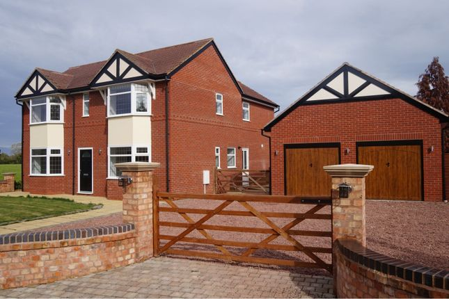 Thumbnail Detached house for sale in Field View, Marlcliff, Nr Bidford On Avon
