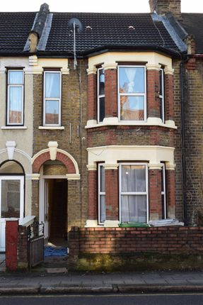 4 bed terraced house for sale in Green Lane, Ilford