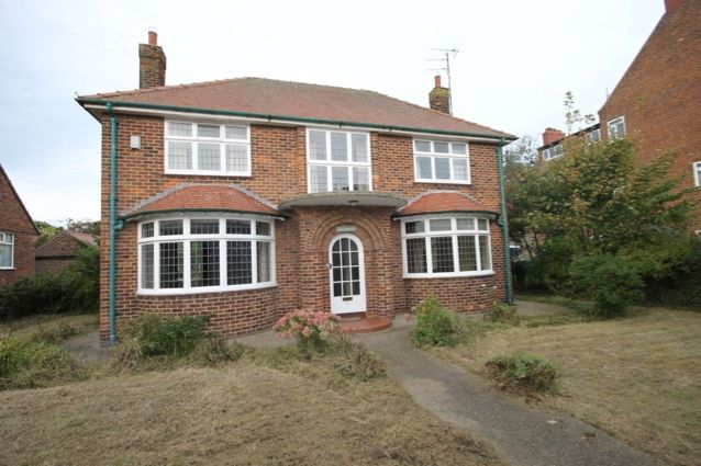 Thumbnail Detached house for sale in Clarence Avenue, Filey