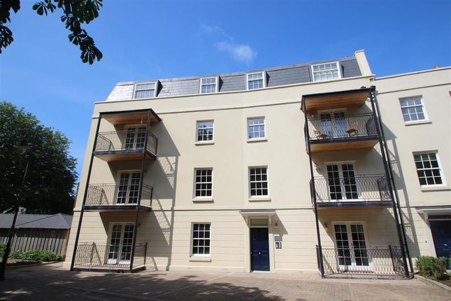 Thumbnail Property to rent in Mount Wise Crescent, Plymouth