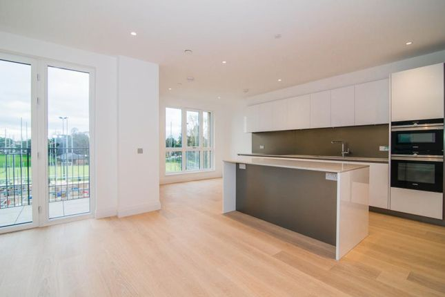 Thumbnail Flat to rent in Broom Road, Teddington