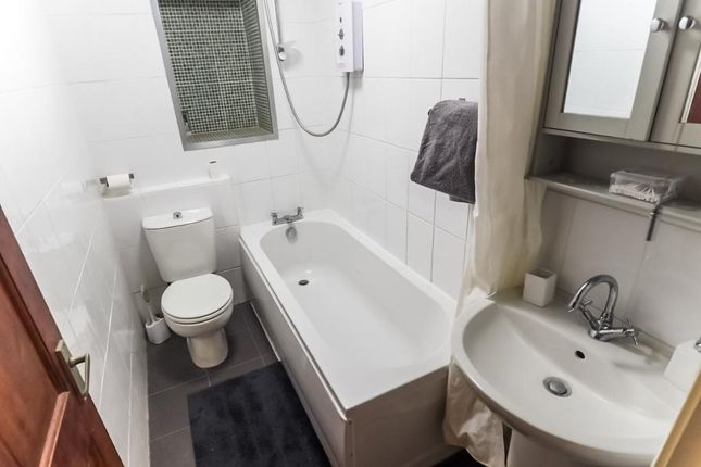 Bathroom of Kingston Street, Hull HU1