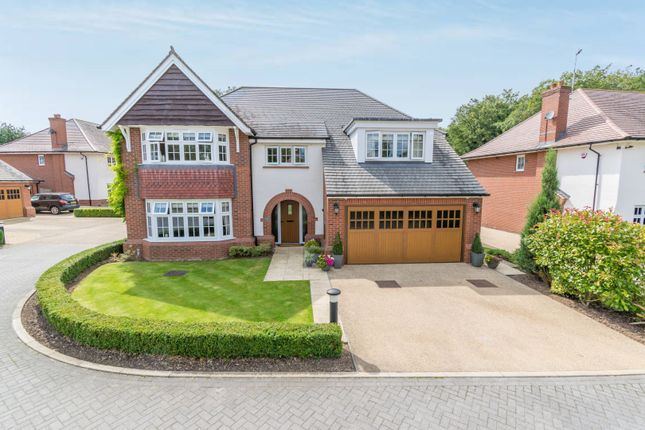 Thumbnail Detached house for sale in Waring Close, Leicester