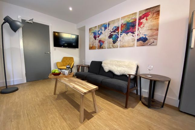 Thumbnail Shared accommodation to rent in Mansel Street, Swansea
