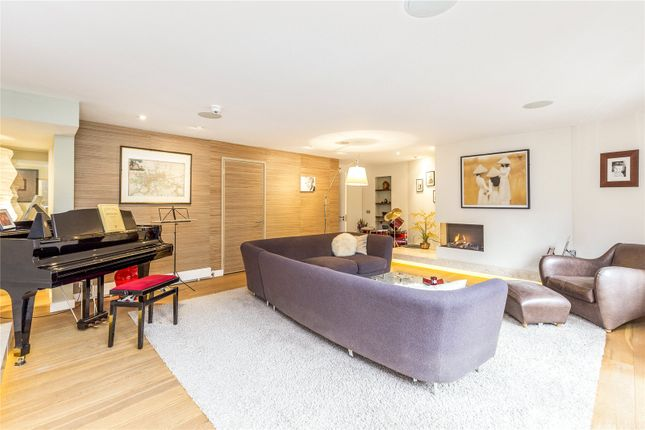 Thumbnail Semi-detached house for sale in St. Paul's Place, London