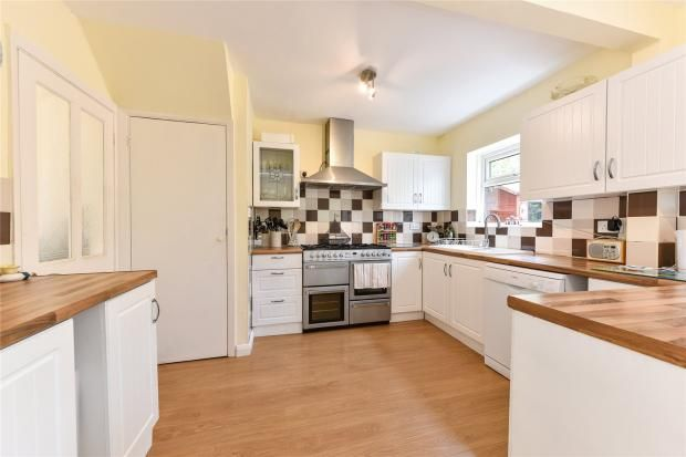 Thumbnail Semi-detached house to rent in Lipscombe Rise, Alton, Hampshire