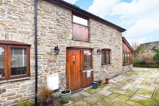 Thumbnail Detached house to rent in Market Hall Street, Kington
