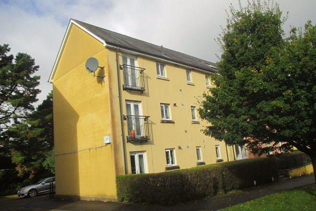 Thumbnail Flat to rent in Tovey Crescent, Plymouth