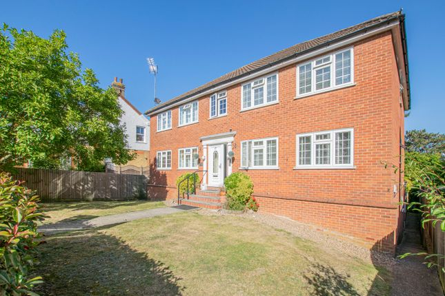 Thumbnail Flat to rent in College Road, Hoddesdon