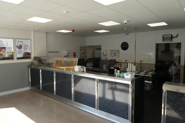 Leisure/hospitality for sale in Fish & Chips HD7, Linthwaite, West Yorkshire