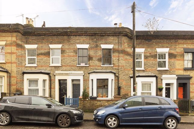 2 bed property for sale in Kenton Road, London E9